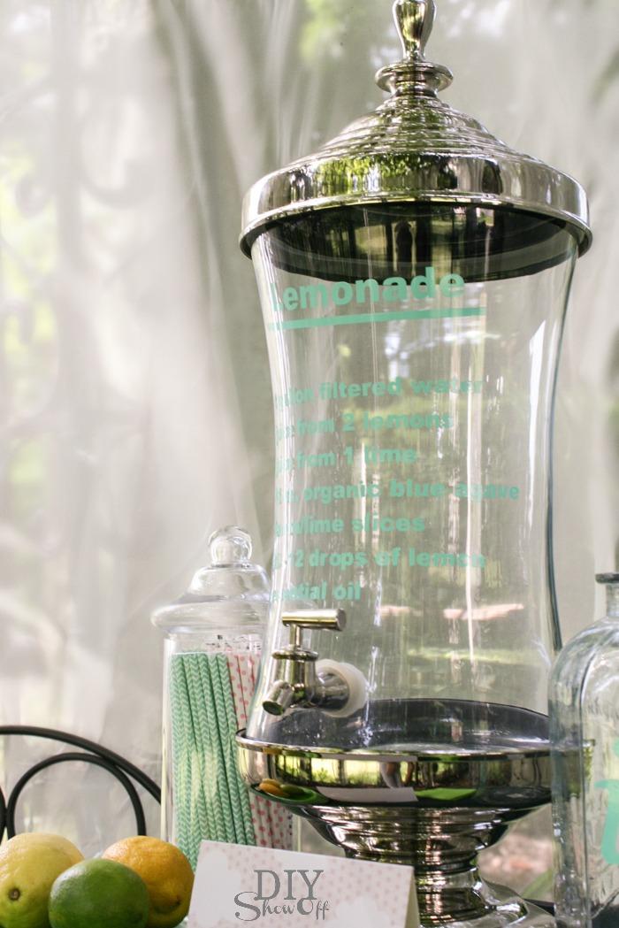 DIY vinyl decal for lemonade recipe