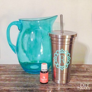 Young Living essential oils - DIY vinyl decal/stainless steel tumbler for citrus oil @diyshowoff