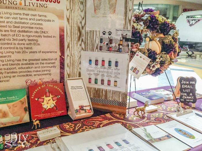 How to set up at a Young Living booth at vendor event @diyshowoff