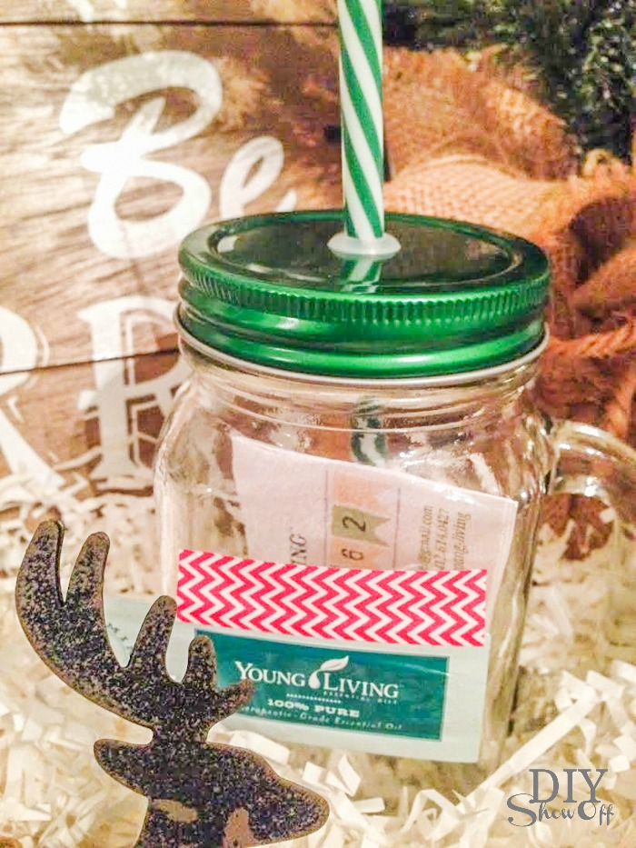 Young Living essential oils holiday gift basket idea @diyshowoff