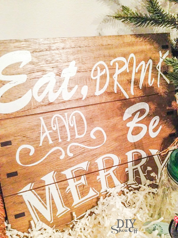 eat, drink and be merry holiday gift basket idea @diyshowoff