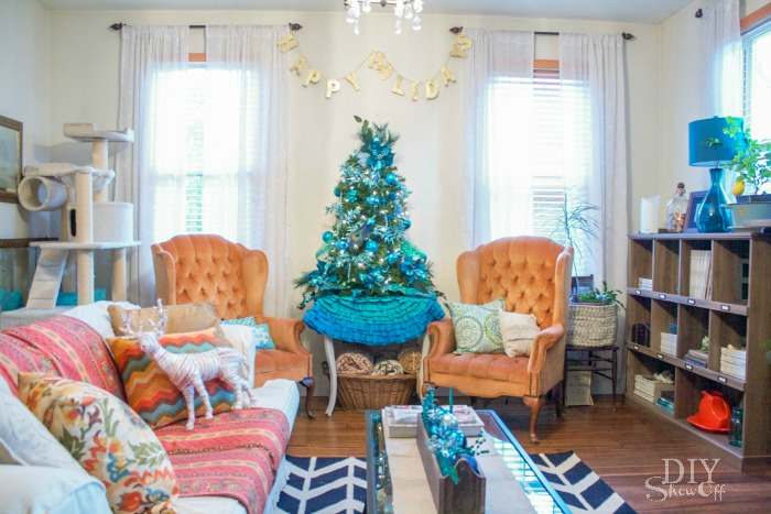 eclectic Christmas family room @diyshowoff #BSHT