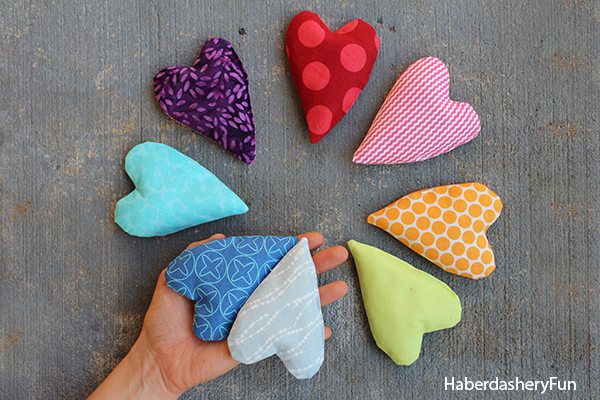 DIY heart handwarmers at haberdasheryfun