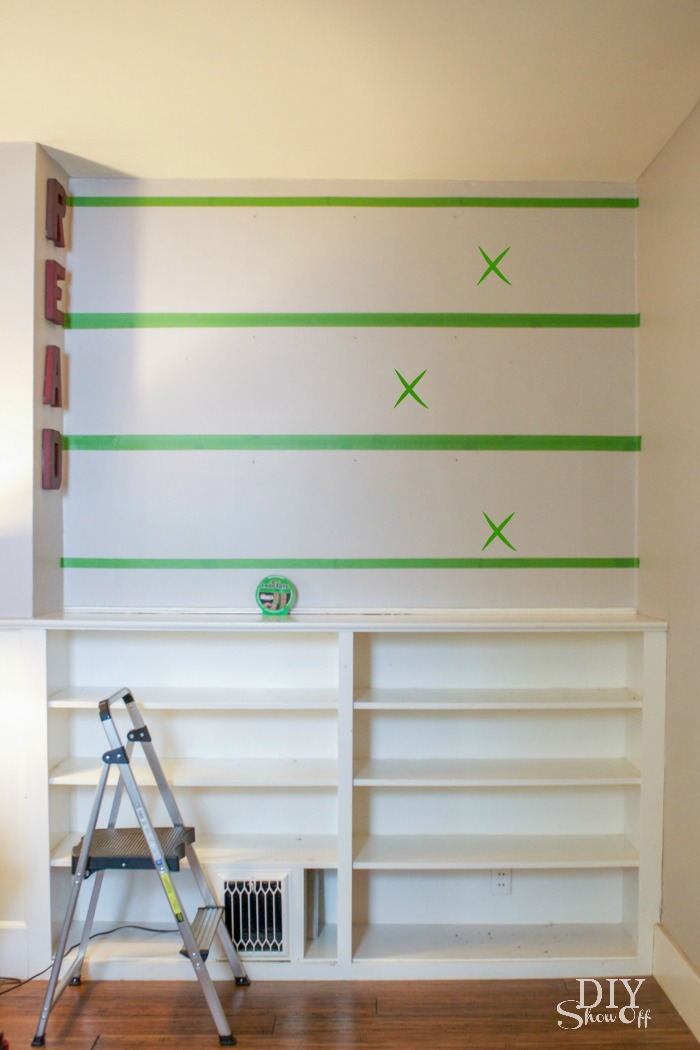 DIY striped gallery wall tutorial @diyshowoff