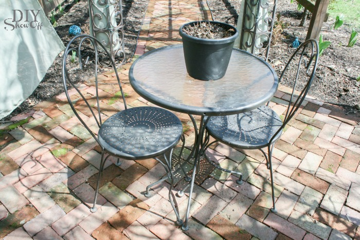 DIYShowOff Bistro Set Makeover before