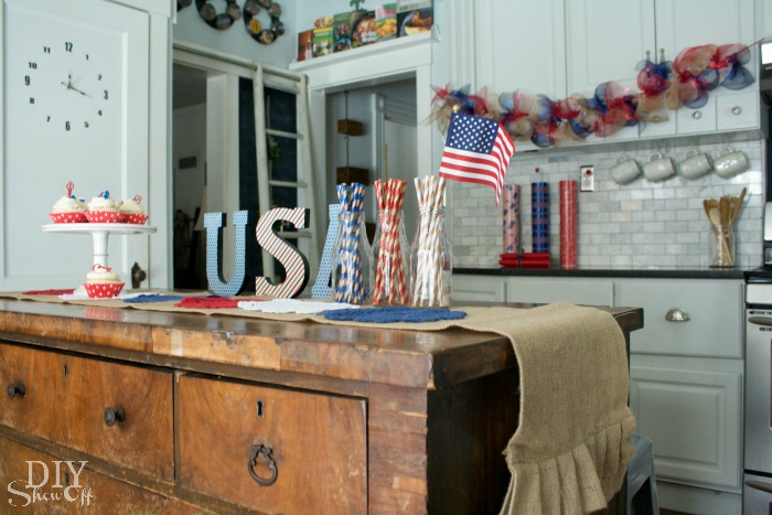red white and blue decorative accents @diyshowoff Celebrations Challenge #MichaelsMakers