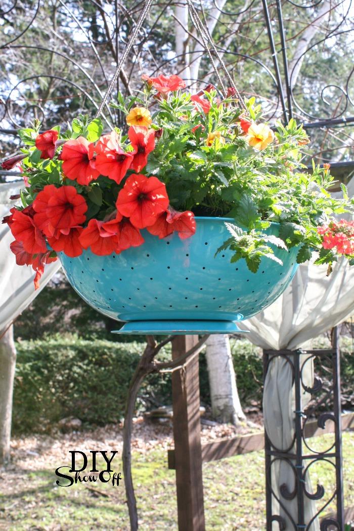 DIYShowOff Colander Planter