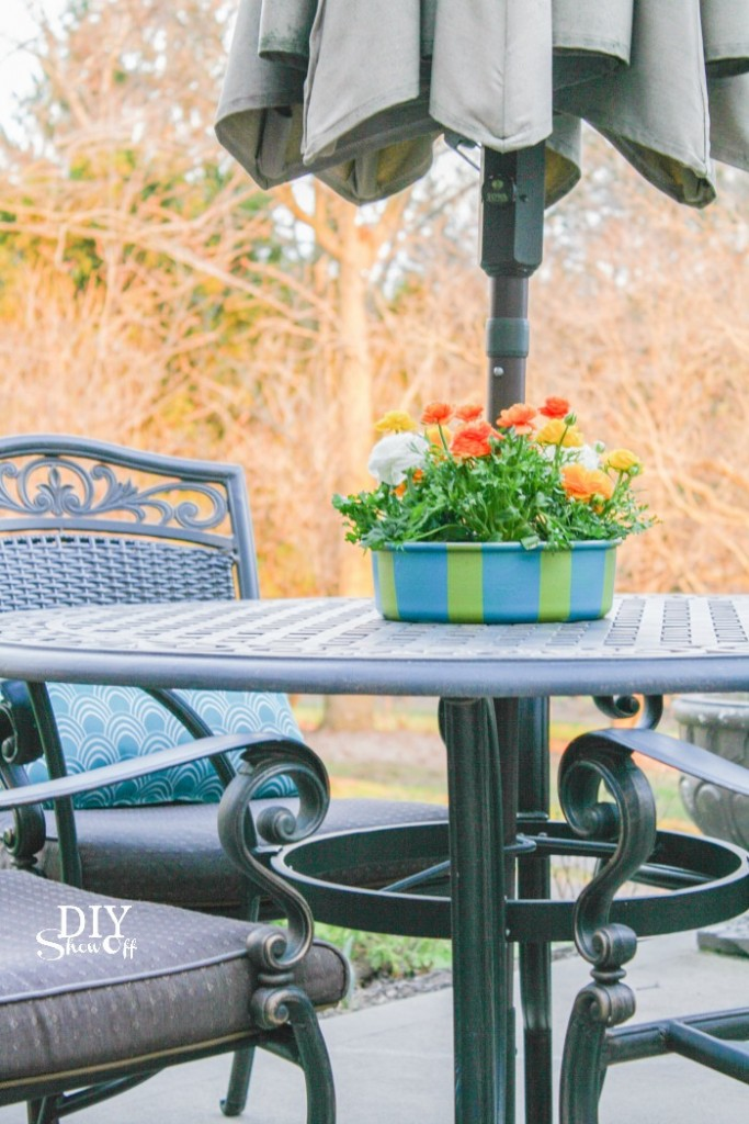 patio umbrella table planter/centerpiece (repurposed bundt pan) @diyshowoff