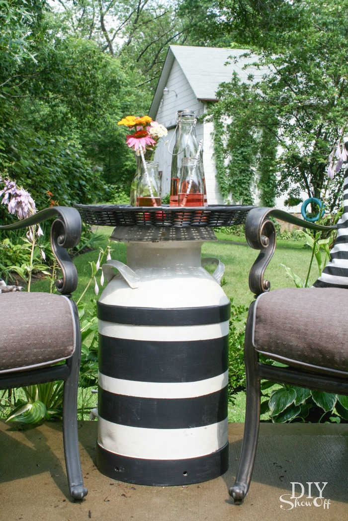 DIY industrial milkman side table @diyshowoff summer patio