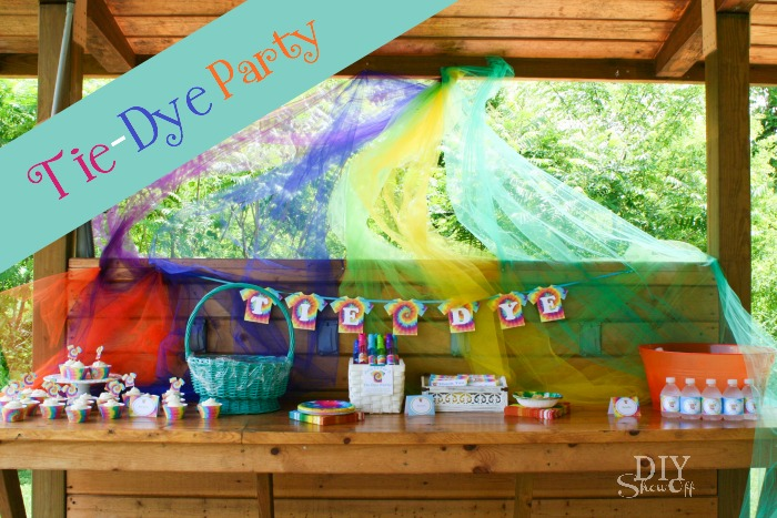 Tie Dye Party invitation #tiedyeyoursummer @michaelsstores @diyshowoff