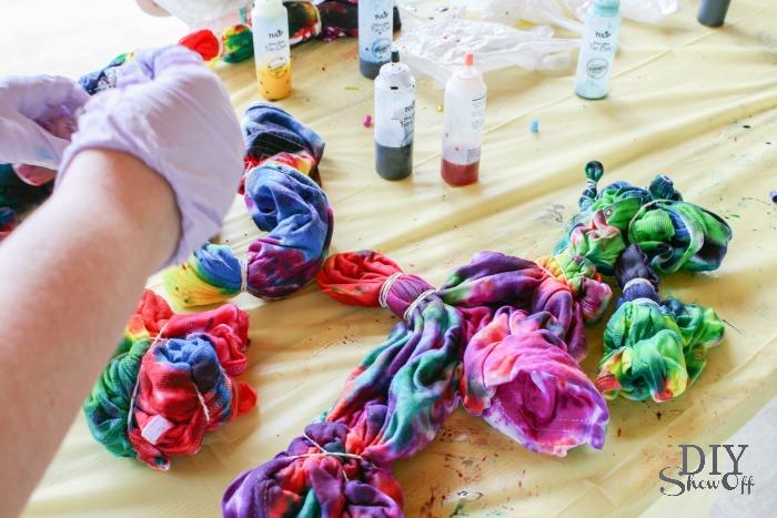 Tie Dye Party #tiedyeyoursummer @michaelsstores @diyshowoff