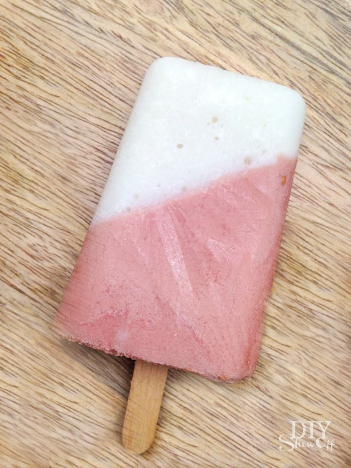 berry grapefruit yogurt popsicle recipe @diyshowoff