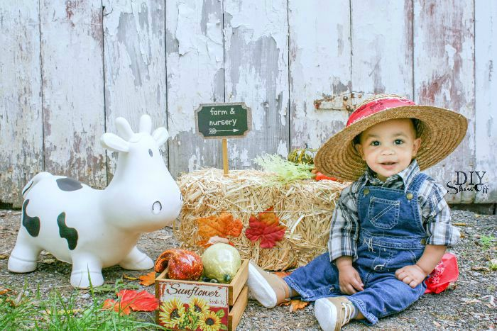 cutest baby farmer DIY costume @diyshowoff #michaelsmakers