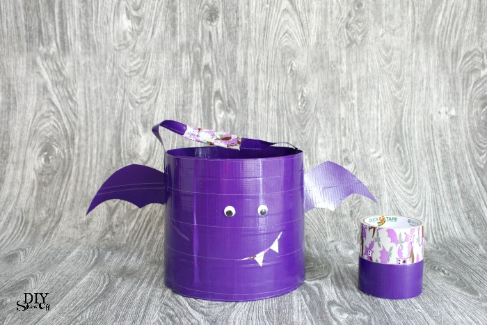 DIY Duck Tape Trick or Treat bag tutorial and SpookDuckular Sweepstakes