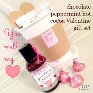 "CUTE! Chocolate Peppermint Awesome Sauce - ""You Melt My Heart"" Valentine gift idea using Young Living Peppermint Vitality essential oil @diyshowoff"