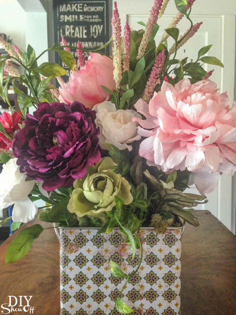 spring floral arrangement @diyshowoff #michaelsmakers (DIY floral arranging tips)