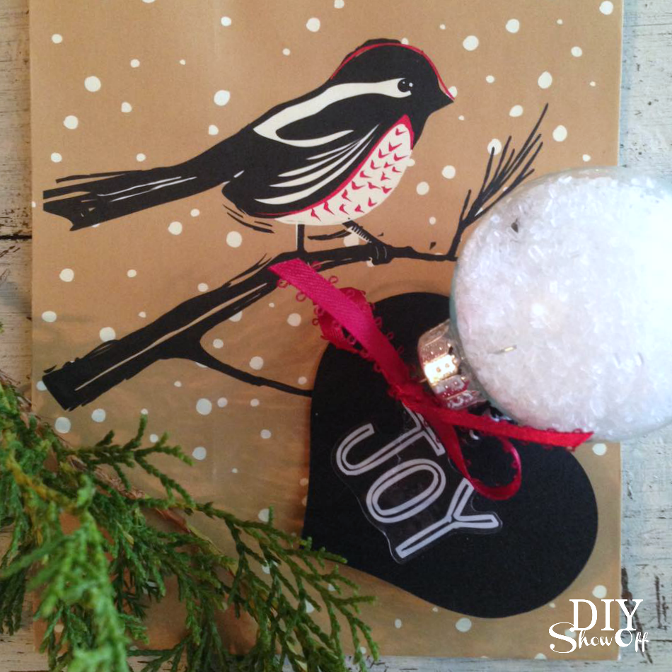 DIY essential oil infused bath salt ornament @diyshowoff