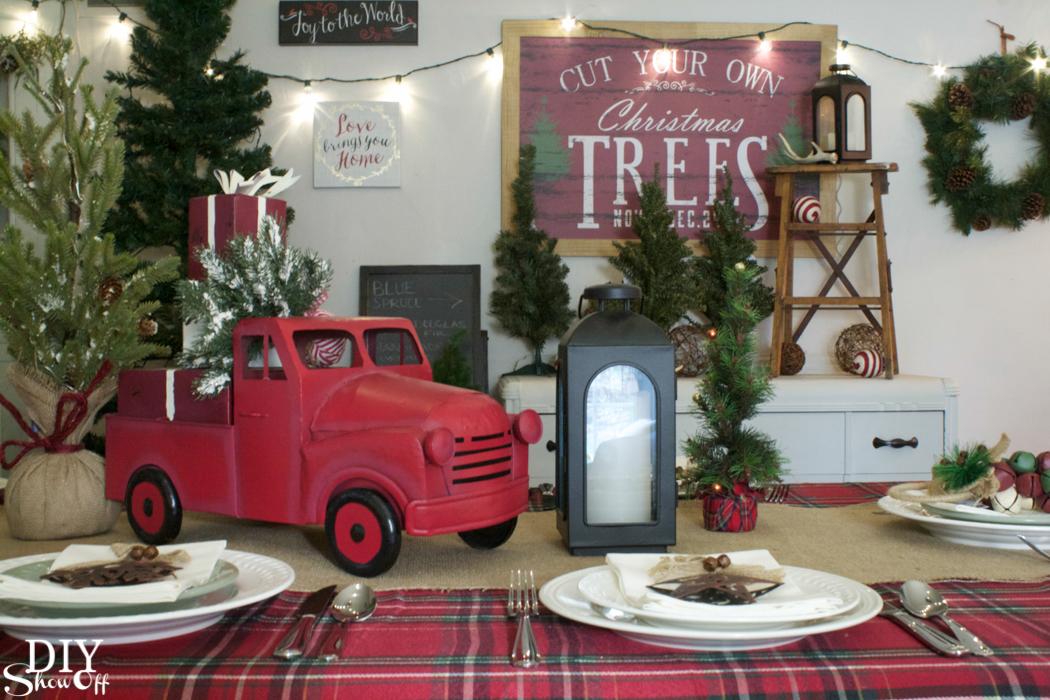 Christmas tree farm inspired decorating #athome @diyshowoff #christmas