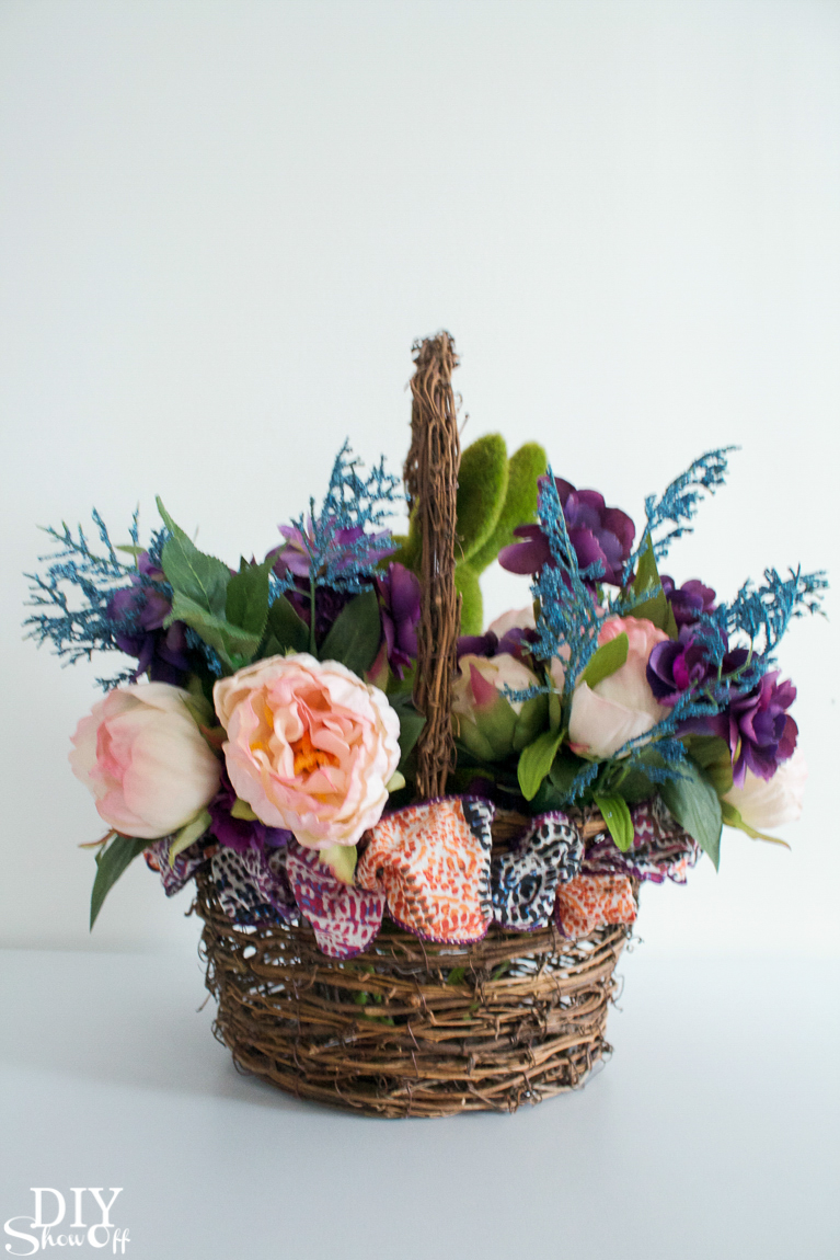 diy-spring-floral-centerpiece-tutorial-30