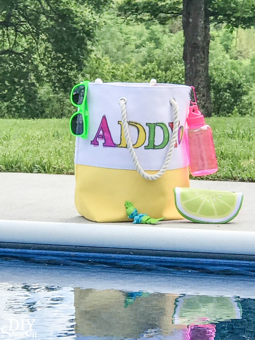 DIY personalized pool party tote bag #madewithmichaels @diyshowoff
