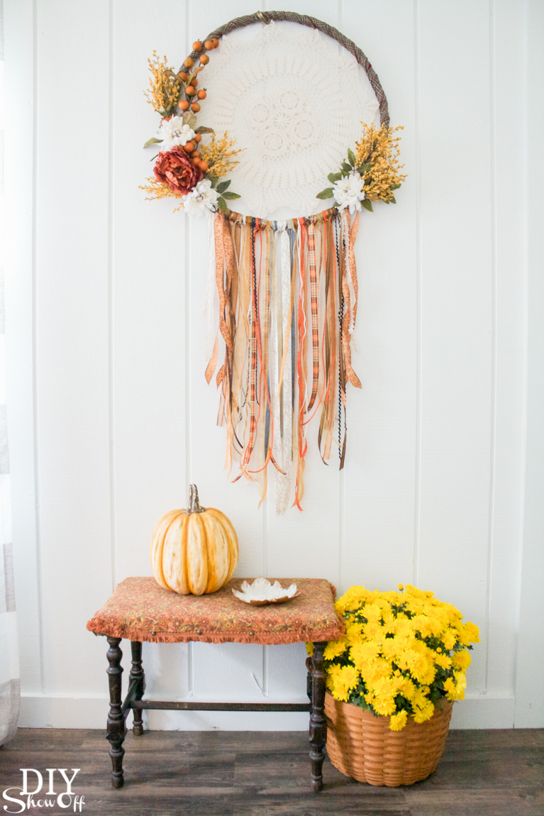 DIY fall dreamcatcher wreath tutorial @diyshowoff