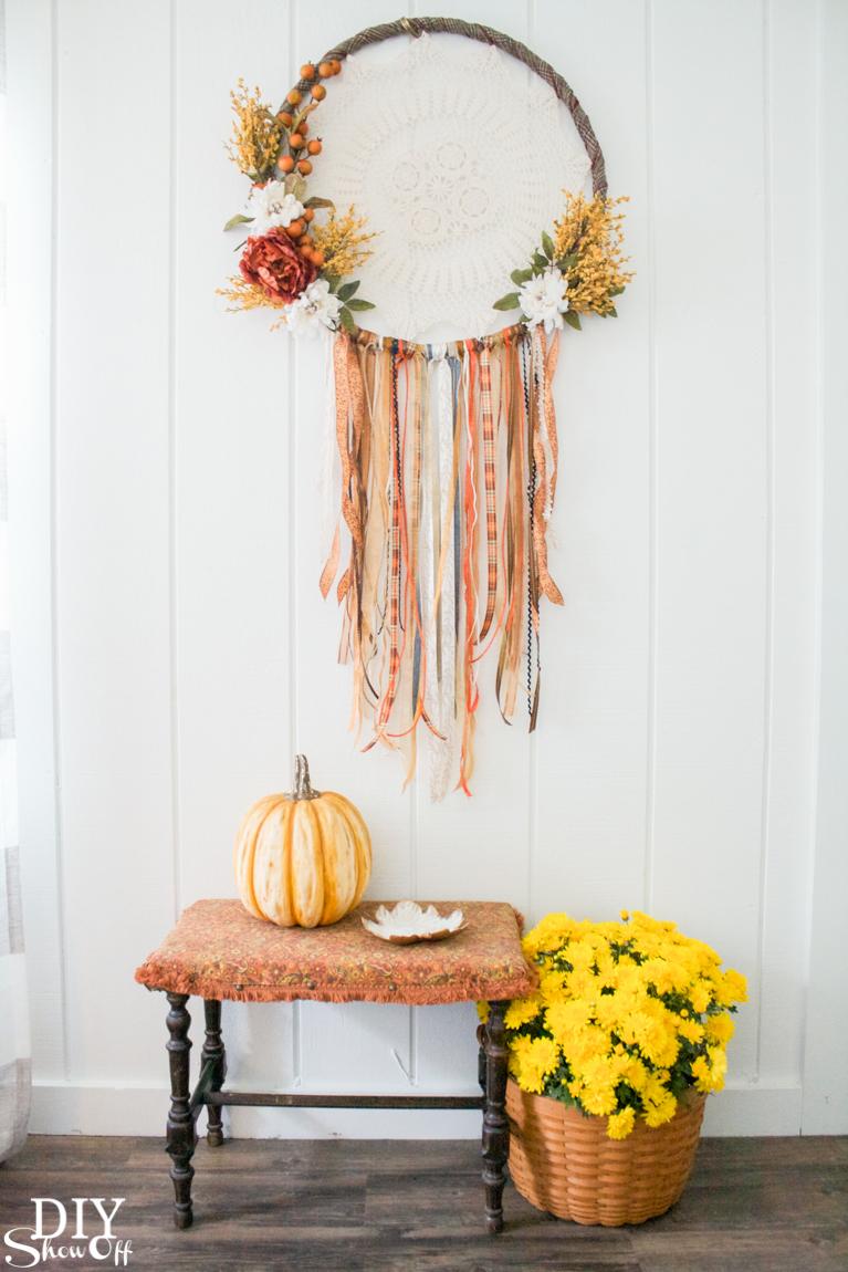 DIY fall dreamcatcher wreath tutorial @diyshowoff