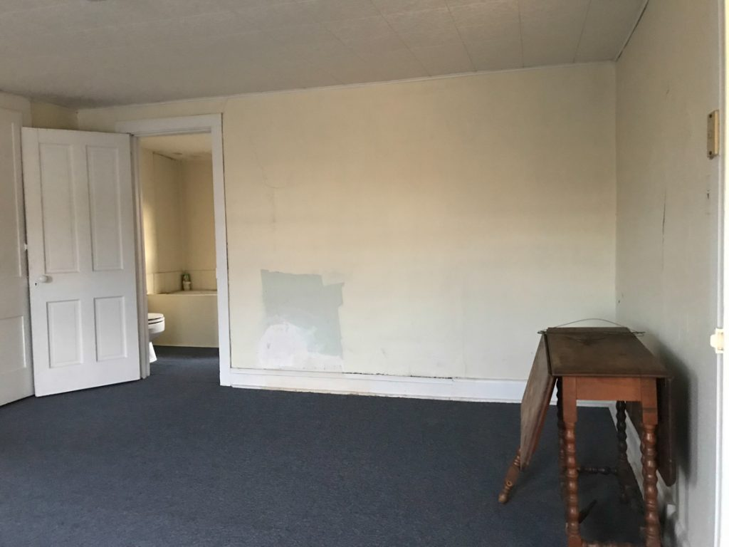 DIY craft studio // workshop - before room makeover @diyshowoff