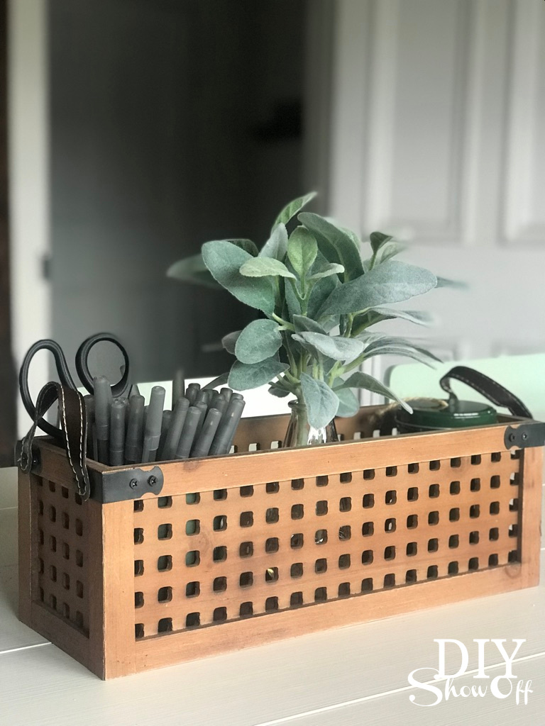 decocrated wood caddy