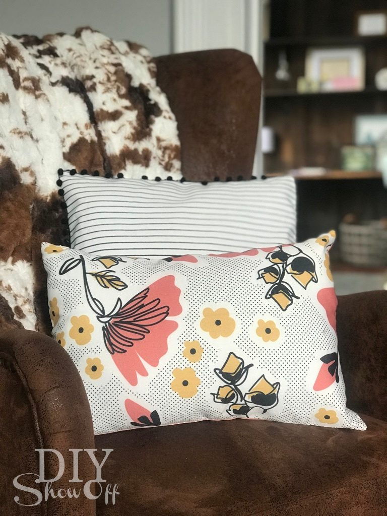 decocrated spring pillows