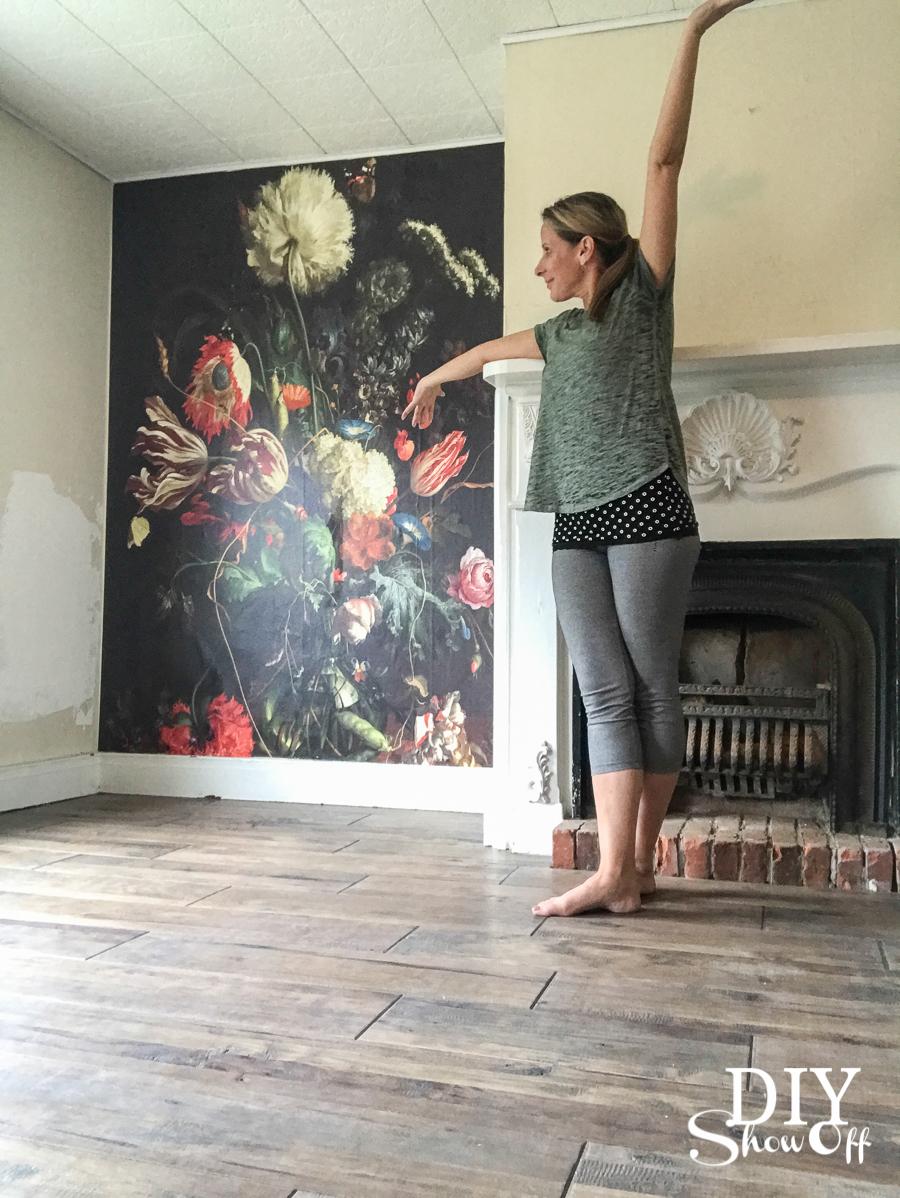 tada diyshowoff mural wallpaper
