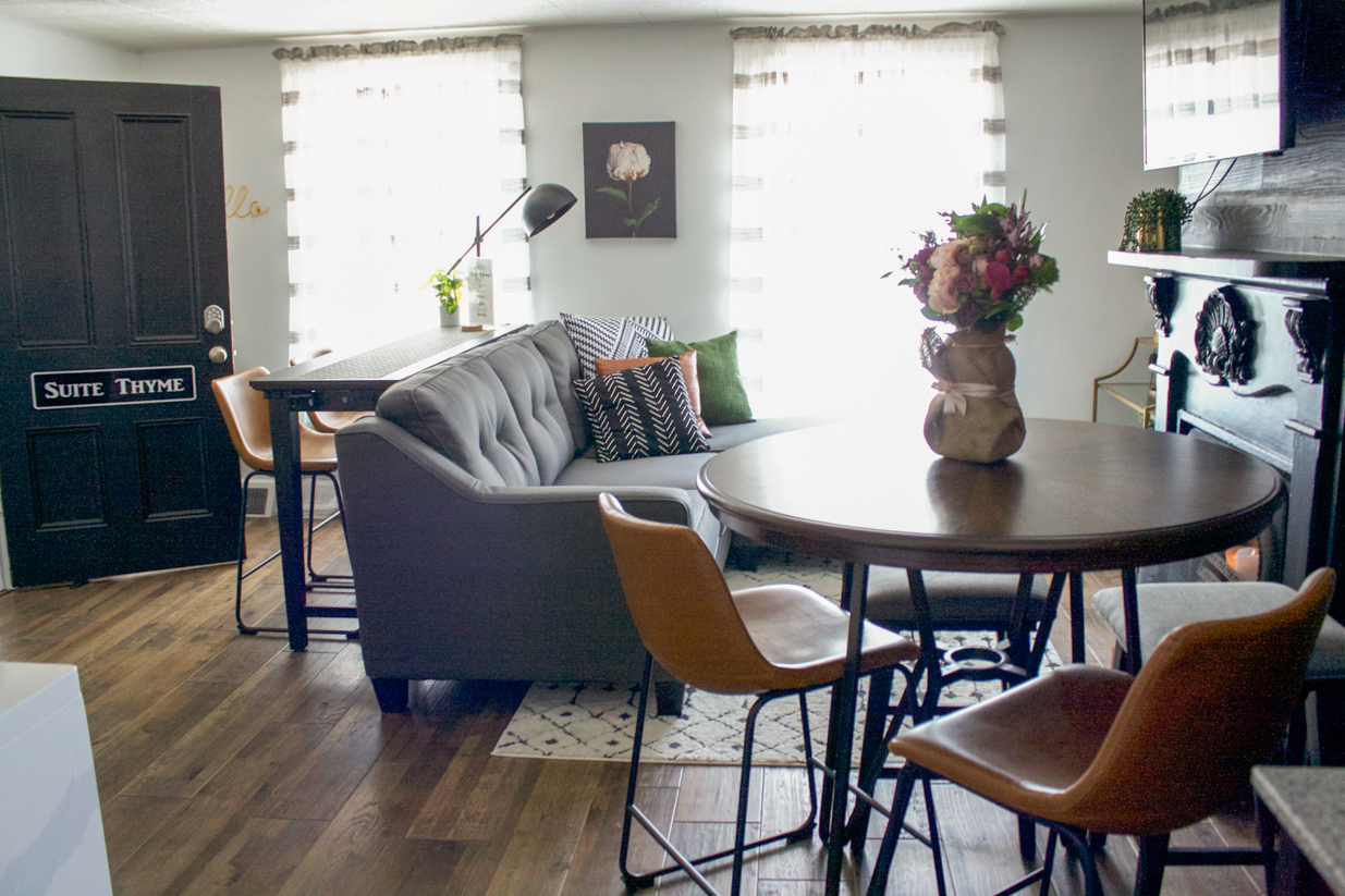 apartment dining nook